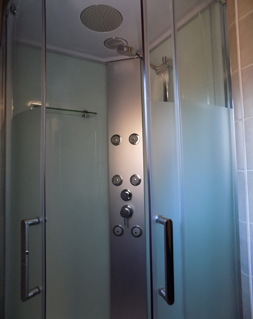 ensuite luxury shower cabin